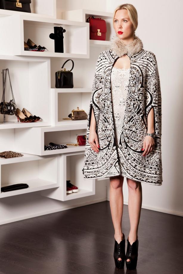 Poncho, Dress Pucci, Shoes Laboutin