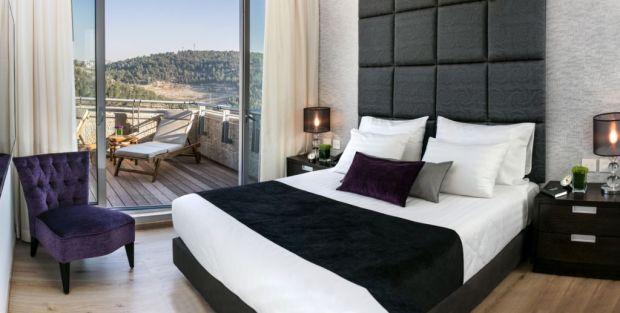 Hotel Yehuda Presidential Suite Deluxe Bed
