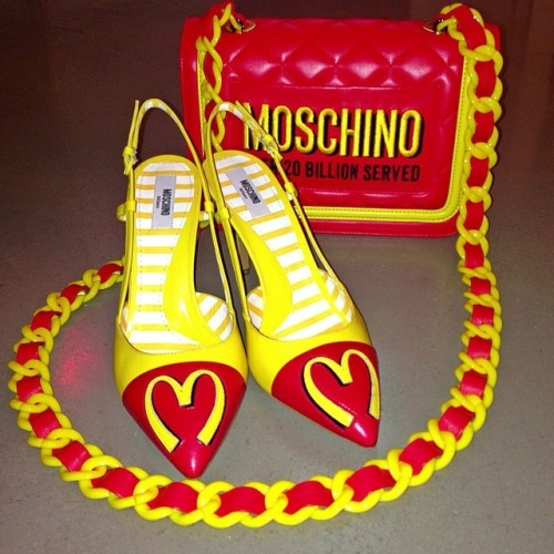 ira simonov irasimonov couturistic fashion blog blogger stylists אירה סימונוב moschino mercedes collaboration מרצדס סוכות חג מוסקינו 2